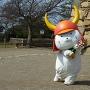 彦根城② ひこにゃんと花