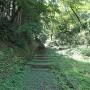 本丸方向への山道