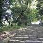 摠見寺 二王門から続く石段と石垣