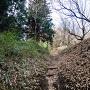 中城南側の竪堀(堀底道)