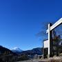 冠木門と富士