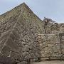 扇の勾配、通称「人面石」、ぬの門のダブルの庇