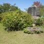 山頂に建てられている城址碑