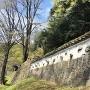 清水御門脇の白壁と石垣
