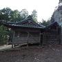 刈安神社と烏帽子岩