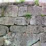 二ノ丸御門跡石垣にある刻印