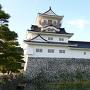 夏の陽が沈みかけた富山城
