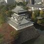 北九州市役所の展望フロアから見た小倉城天守