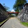 渡雲橋と本丸・二の丸石垣