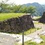 三ノ丸跡から見た大手門跡の虎口