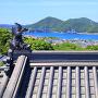 小鳴門海峡方面と、模擬小天守の屋根