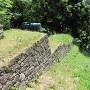 土塁・石垣と竪堀