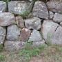 矢穴が残る石垣