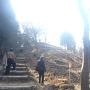 主郭下、北側からの登城口