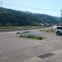 八幡社前の駐車場