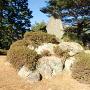 主郭にある城址の石碑