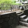 塀への石段
