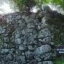 本丸へ上る石段、石垣