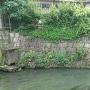 水門川に僅かに残る石垣