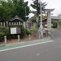 主郭に鎮座する小浜神社