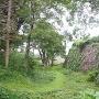 本丸石垣と空堀