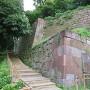 玉泉院丸庭園前の石垣