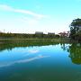 堀の名残とされる溜池