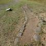 溝状石列遺構