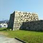 塩屋門の石垣を西駐車場から見る
