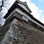 北隅櫓と多聞櫓を裏から撮る。