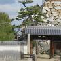 山里櫓の石垣と門