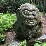 二の門跡前にある「猿石」