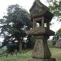 勝日高守神社 石灯籠