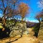総締門跡石垣と礎石