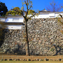 「はの門」東方の、土塀と石垣