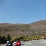 湯村山城遠景(左側)