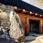松本城 太鼓門の玄蕃石