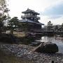 櫓のある日本庭園