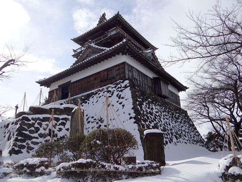 雪の天守[丸岡城]