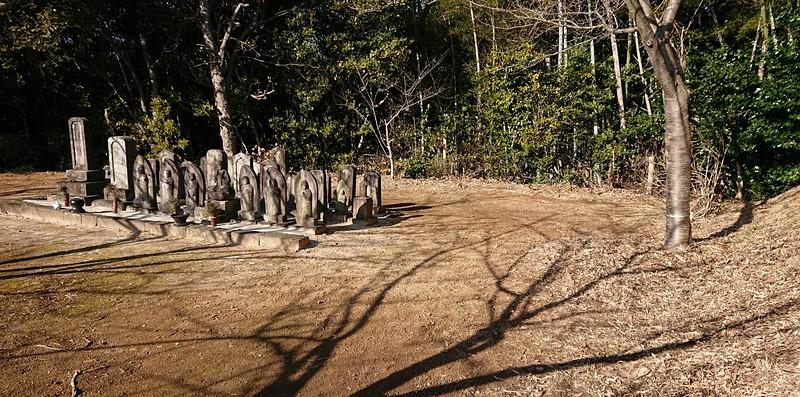 城跡に有る墓地