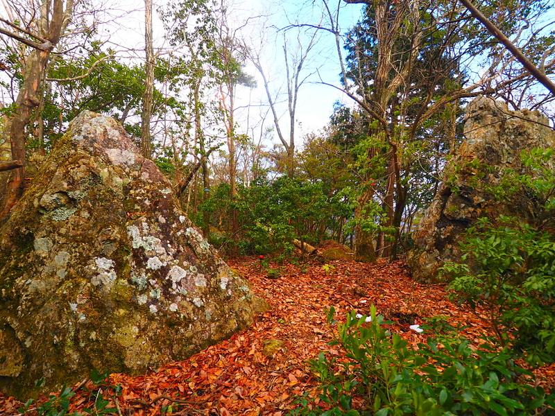 巨岩の虎口?◆東郭