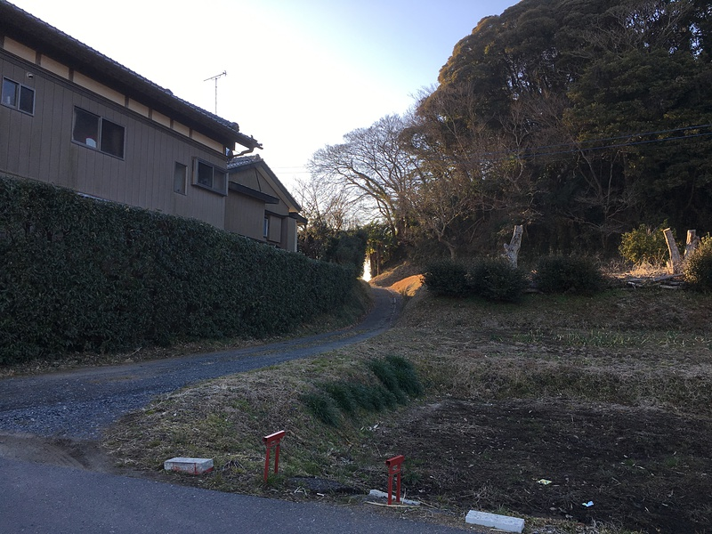 島崎城の写真:城址東側の進入路...